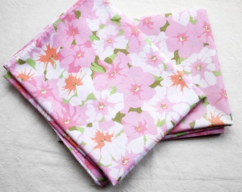 2 vintage pillowcases, pink flowery retro fabric, craft project or bedding, polycotton