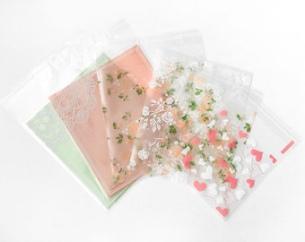 Pretty Decorative Treat Gift Bags with Lace Flowers Roses Hearts Pink Mint Lovely Girly Cute Delicate Plastic Resealable Self-Sealing Wrap