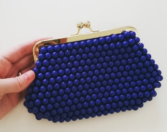 Vintage 1970s/70s Blue Beaded Handbag. Blue clutch. Kiss Lock.