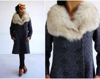 Vintage 1960's Gray Wool Fitted Jacket with Oversized Fox Fur Collar   Small/Medium