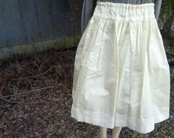 60s Solid White lace trim Beautiful costume skirt by Jeansvintagecloset on Etsy