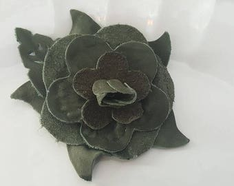Flower Leather Brooch. Dark Green
