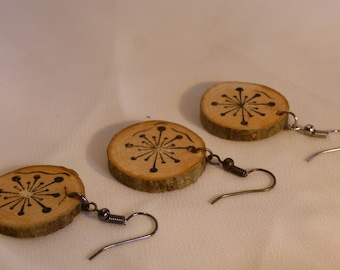 Wooden earrings / Round shape / Star design / Hand made eco-friendly / Black / Small and light