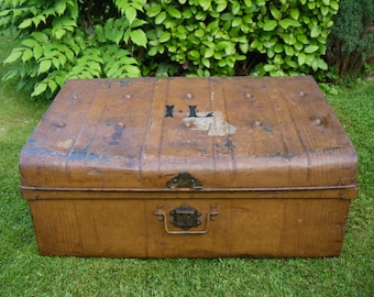 Antique Travel Trunk - Vintage Tin Trunk - Antique Trunk - Storage Trunk - Vintage Metal Trunk - Coffee Table Trunk - Antique Metal Trunk