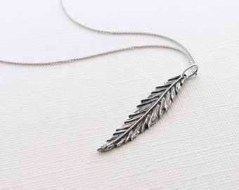 Graceful Feather Necklace in Sterling Silver