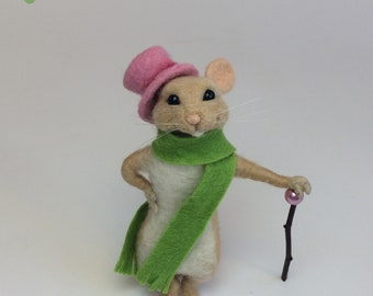 Handmade small mouse doll, needle felted mouse nature lover gift, felted mouse gift for girlfriend, merino wool soft needle felt little mice