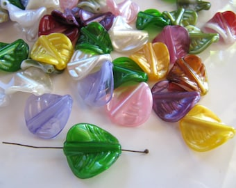 20mm ACRYLIC Leaf Charms Beads in Assorted Colors, 30 Pieces, Translucent and Opaque Mix, Earring Dangles, Pendants