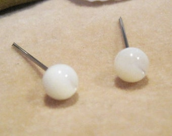 Niobium Nickel Free Earrings / Allergy Free Earrings for Metal Allergies - Mother of Pearl Gemstone - Mother of Pearl Studs
