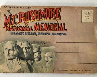 My. Rushmore Souvenir Folder Booklet 12 Photos unposted