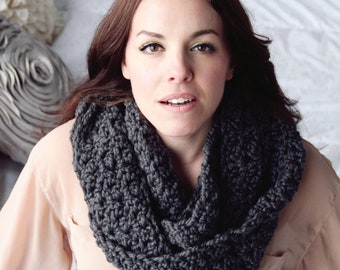 Cowl Easy CROCHET PATTERN Chunky Infinity Scarf Wrap The CHICAGO Cowl Crochet Pattern