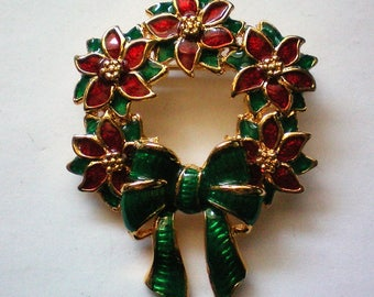 Red Poinsettia and Green Bow Christmas Wreath Pin for the Holidays - 5667