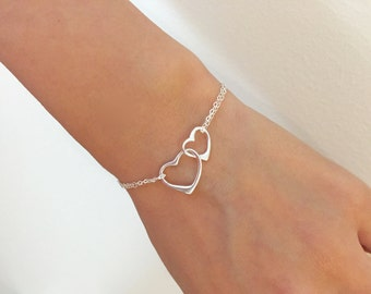 Double Heart linked bracelet/Silver heart double chain bracelet/Dainty heart bracelet/Delicate bracelet/wedding jewelry/Bridesmaids gift