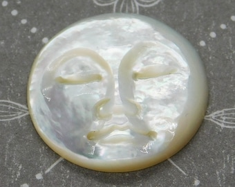 19mm Mother of Pearl Moon Face Cabochon_Ivory White_Moon Goddess_Woman in the Moon_Hand Carved_Natural Cabochon_