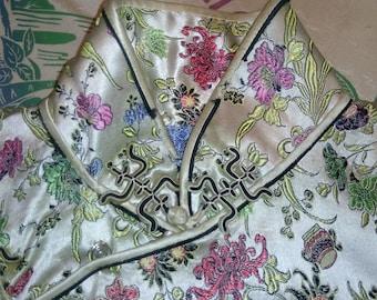 1950's satin dress maneuver floral Asian style closure.