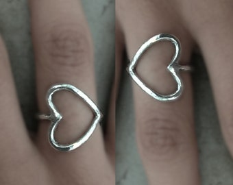Sideways Heart Ring