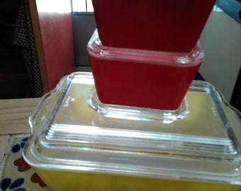 Vintage Pyrex yellow, red and white rectangle square 7 piece set