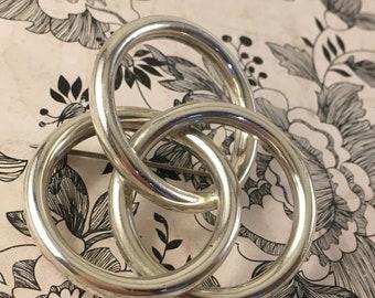 Vintage Art Deco 925 Sterling Silver Interlocking Circles Brooch   Antique Silver Pin   Vintage Silver Brooch
