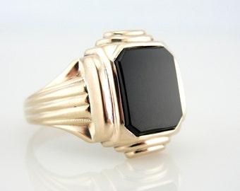Classic Men's Onyx Ring in Fine Gold, Sophisticated Style - H6RFLZ-N