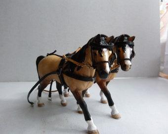 Pair harness for sneaky horses