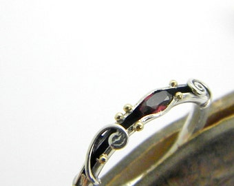 Garnet sterling silver organic ring band, 14k gold and silver ring ,stackable ring, garnet jewelry, January birthstone, ring size 7 1/4