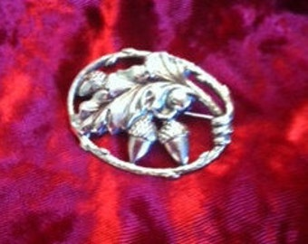 Sterling Silver Acorn and Leaves Pin