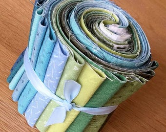 "BIJOUX Cool Colours Mini Jelly Roll by Makower Quilting Fabric Strips 2.5"" Blue Green"