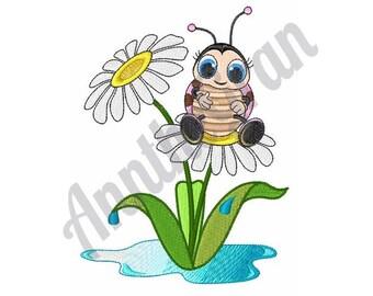 Ladybug Daisy - Machine Embroidery Design