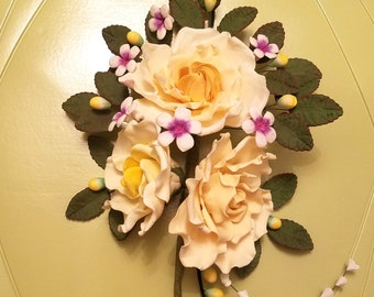 EDIBLE-Yellow Gumpaste roses large bouquet piece with gumpaste leaves and flower buttons