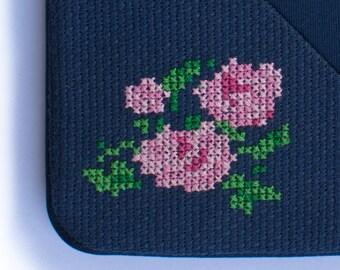 Sleeve for iPad mini with artesanal roses embroidery