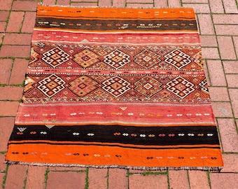 Vintage Sivas Kilim, Anatolian Handwoven Turkish Carpet! Free Shipping! '115cm X 140cm'
