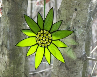 Stained Glass Flower Lime Green, Stainegd Glass Suncatcher, Lime Green Flower,  Suncatcher, Stained glass Flower Stained Glass Sunflower