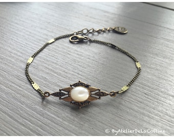 Art deco bracelet with mother of pearl cabochon, Isolde collection