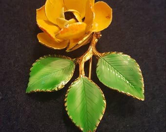 Vintage Giovanni flower brooch, vintage enamel and gold tone rose pin, vintage costume jewelry, vintage Giovanni marked jewelry