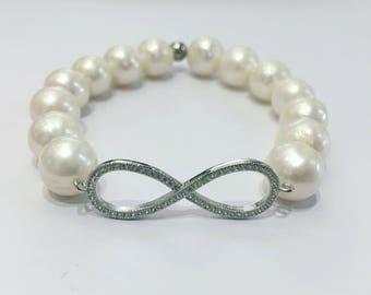 Infinity Pearl bracelet