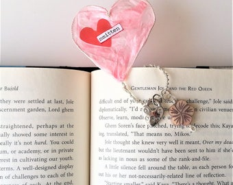 Heart Charm Bookmark - Valentines Day Gift for Her - Booklover Gift - Gift for Reader - Pink Heart Bookmark Gift - Paper Wedding Gift