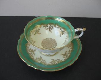 Vtg PARAGON Bone China EMERALD GREEN Heavy Gold Snowflake Teacup & Saucer Set