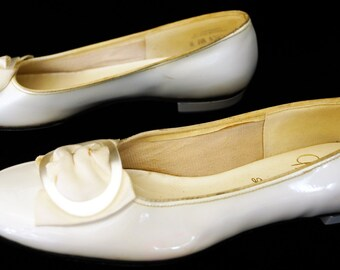 1950s Gaymode Patent Leather Flat Shoes Sz 7.5AA Vintage Retro