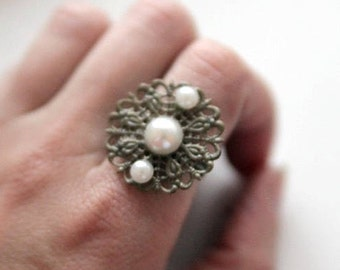 Medieval inspired Pearl Ring Isabella of Castile