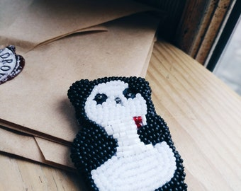 Panda-Embroidered-Brooch-Holds a Letter with the Heart