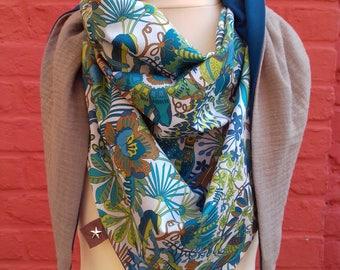 Liberty triangle scarf