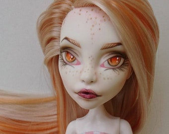 Ooak monster high doll, Spectra repainted, rerooted/ re-haired and dressed in handmade doll clothes