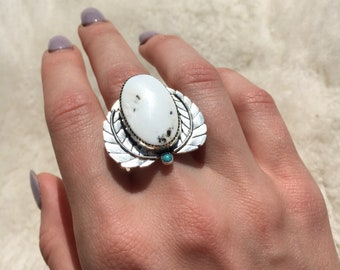 White buffalo sterling silver leaf ring size 7