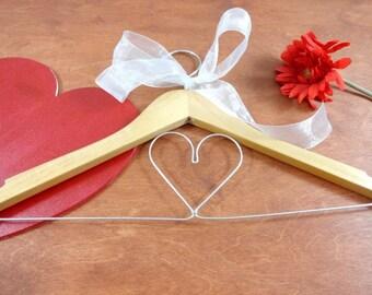 Hanger With Heart - Valentine Gift - Heart Hanger - Wedding Hanger - Wedding Dress Hanger - Wire Heart - Gift Idea - Decorative Hangers