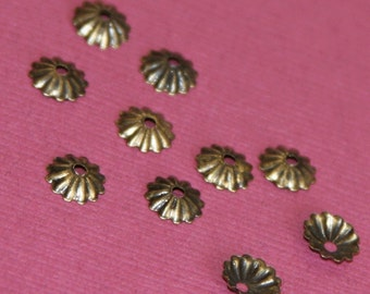 200 pcs of Antiqued brass ribbed beads cap  5.5mm