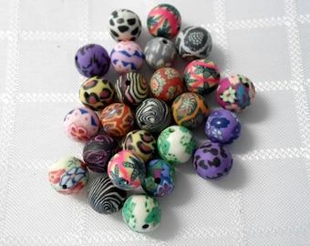 259-  Perle en pâte polymère, couleurs mixte, 10mm de diamètre (25 pièces)