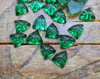 Vintage Glass Rhinestone Art Deco Rhinestone Small Triangle with Pattern 5mm Emerald Green Flat Back (6) R31