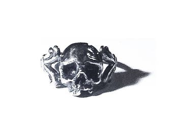 Baroque Cataphile ring in sterling silver (floral skull)