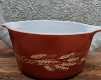 Vintage Pyrex Autumn Harvest Wheat Pattern Casserole Dish
