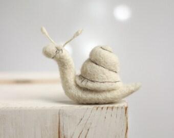 Needle Felted Snail -  Needle Felt Animal - Needle Felt Art Doll - Miniature - Gift Idea - Handmade - Wool - White - Boho - Home Decor