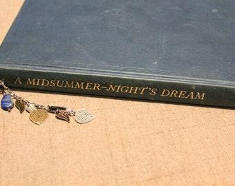 Fantasy leaf chain Bookmark